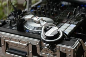 Read more about the article How to DJ in 7 Steps