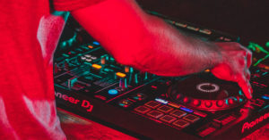 Read more about the article Best DJ Controller Without Laptop – Pioneer XDJ-RX2 Review