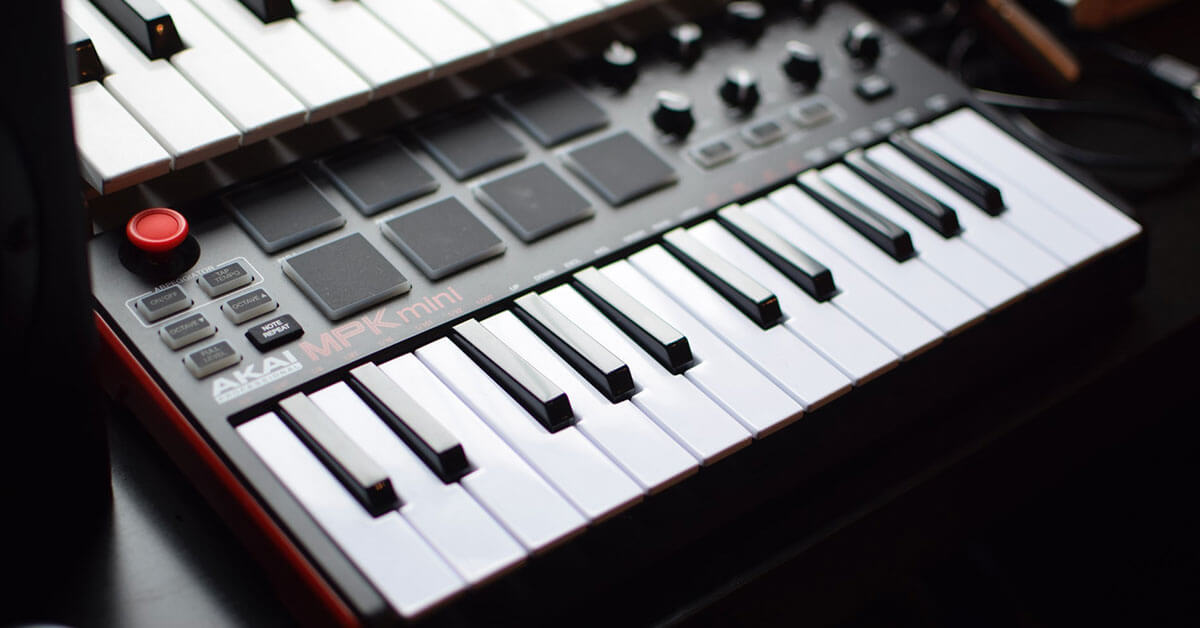 You are currently viewing Akai MPK Mini MK2 Review 2021