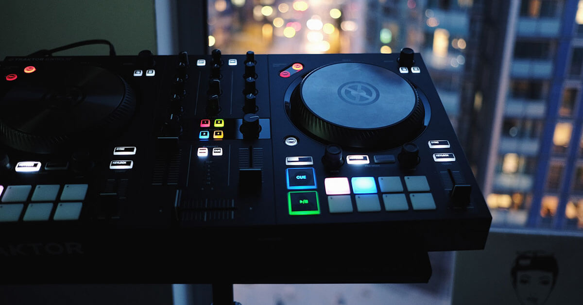 You are currently viewing Best DJ Controllers for Beginners in 2021